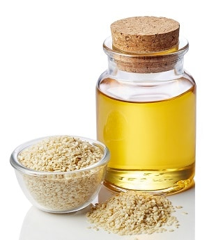 lifespa-image-sesame-oil-and-seeds-ayurvedic-massage